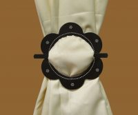 Tieback Plexiglass Marguerite Black Cupchain